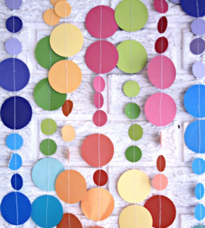 Photo and paper circle garland by pomtree - click for link