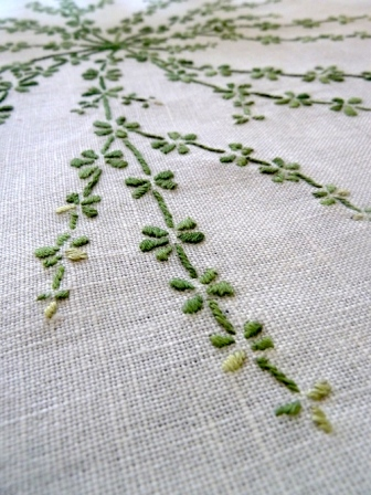 galium embroidery detail 2