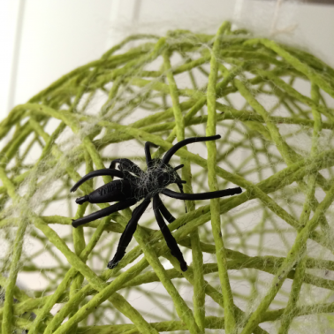 yarn balloons spider close up