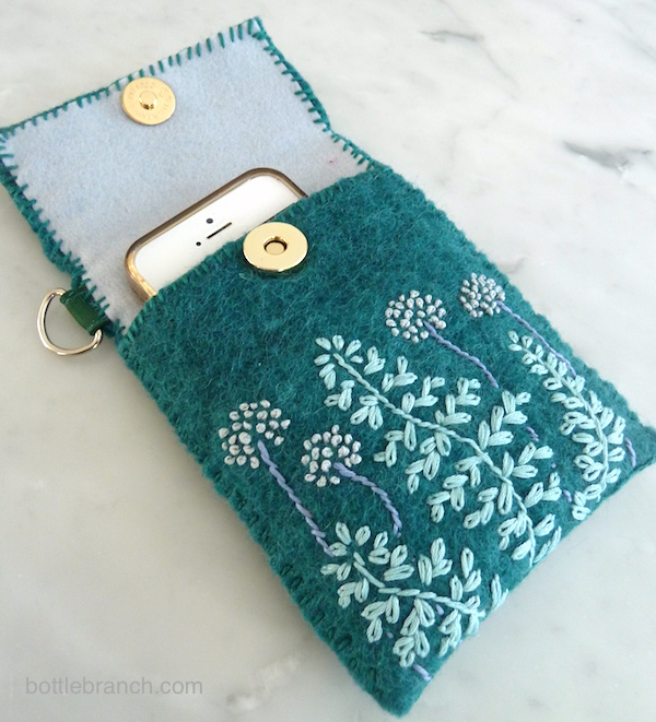 embroidered ihpne case with flowers